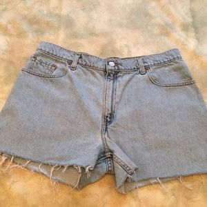 Levi's Cut Off Jean Shorts - Light Wash